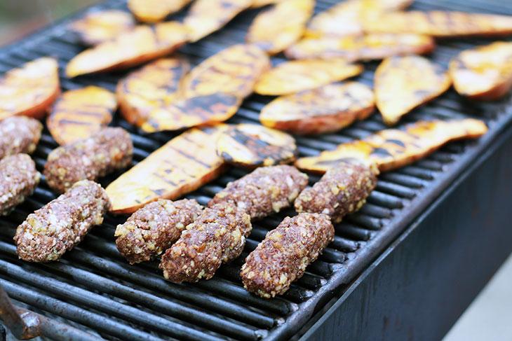vegan minced meat rolls grill