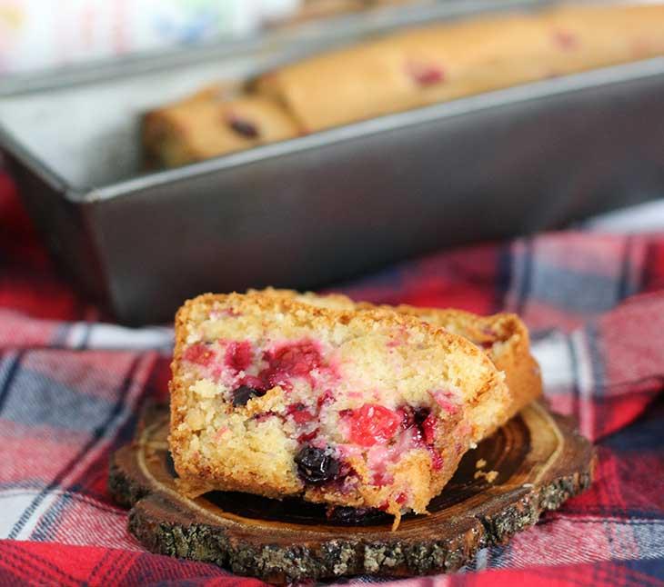 Vegan Sponge Cake With Red Currants Chec Pufos Cu Coacaze Rosii Reteta