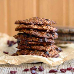 vegan Banana Oatmeal Cookies with Cranberries fursecuri de ovaz cu merisoare