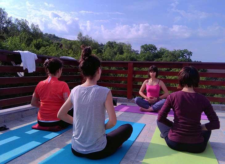 mirela ivaz yoga