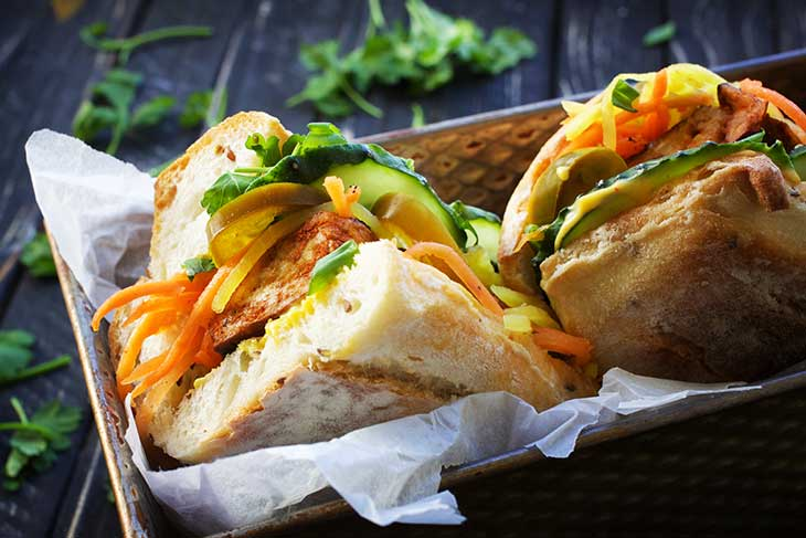 sandwich tofu banh mi vegan