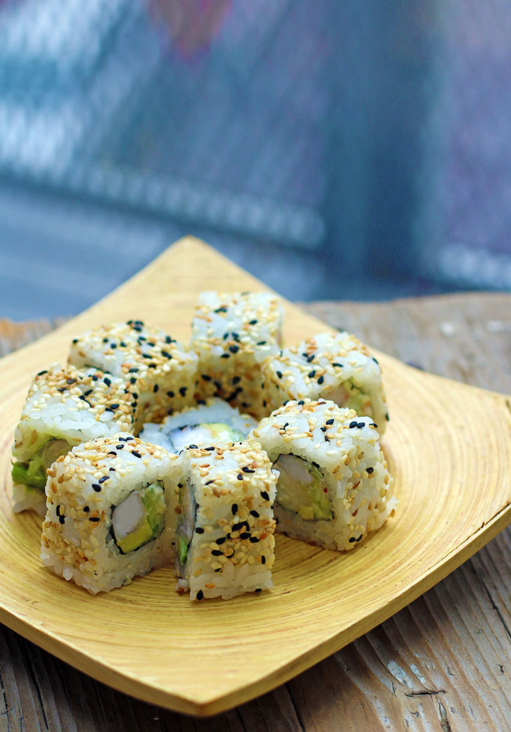 vegan california roll uramaki tofu sushi