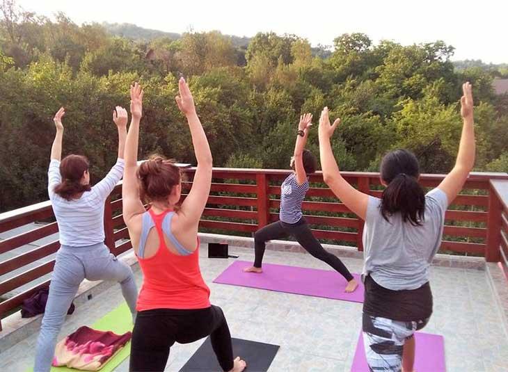 yoga ivaz mirela