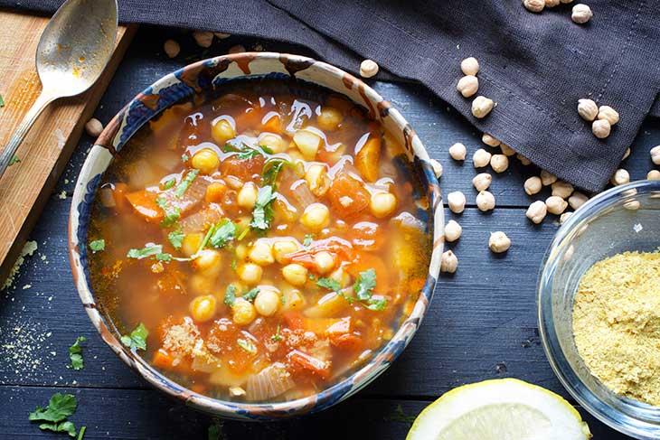 chickpea soup supa libaneza cu naut