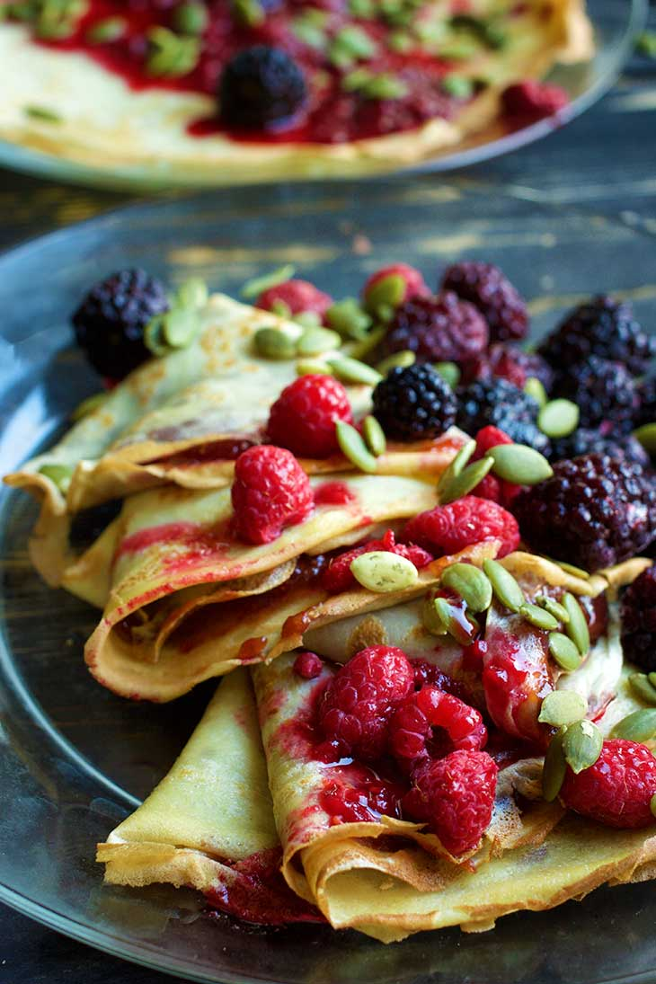 Vegan crepes just 4 ingredients gourmandelle - Crepes vegan recette ...