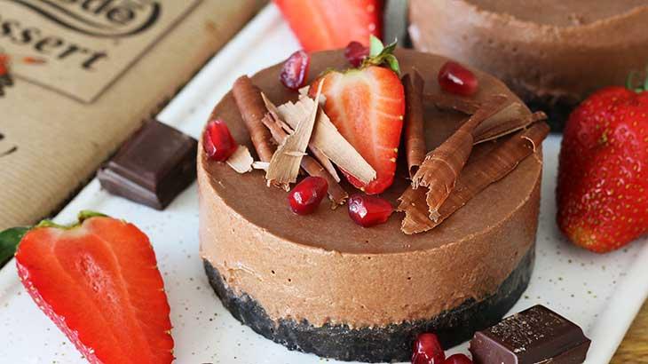 vegan chocolate cheesecake cu ciocolata capsuni vegan