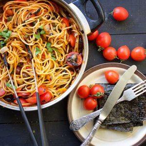 vegan spaghetti alla puttanesca pasta