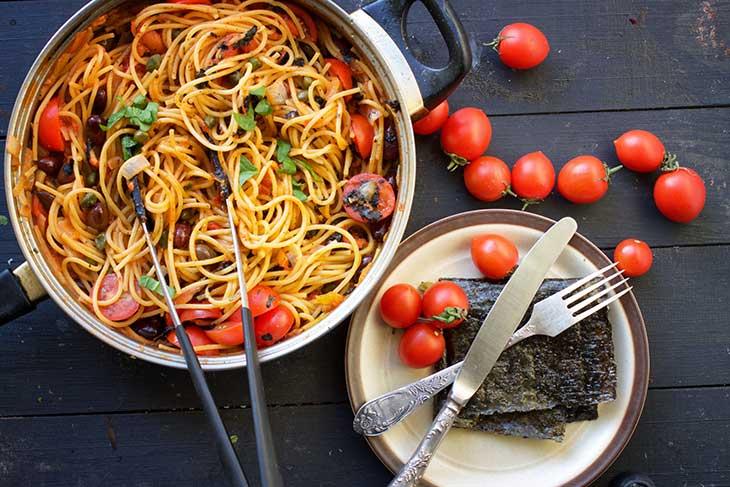 vegan spaghetti alla puttanesca pasta italian cuisine