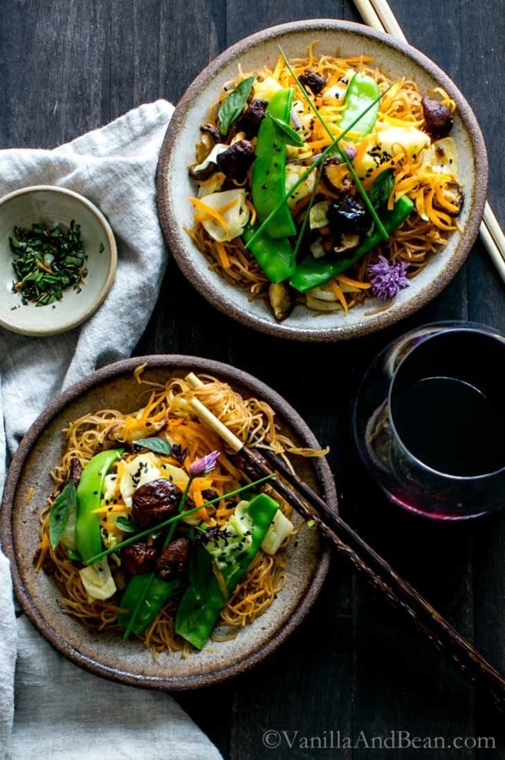 Thai Ginger and Garlic Noodle Bowl