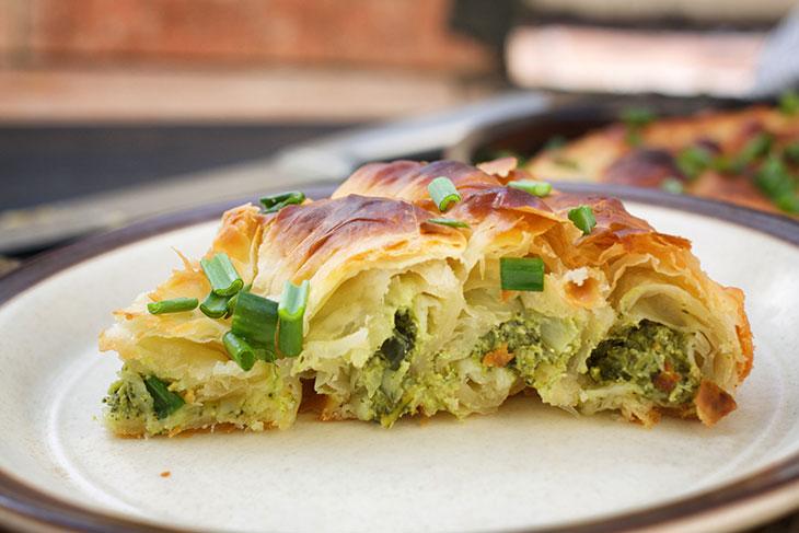 Vegan Spanakopita Greek Spinach Pie placinta de post cu spanac