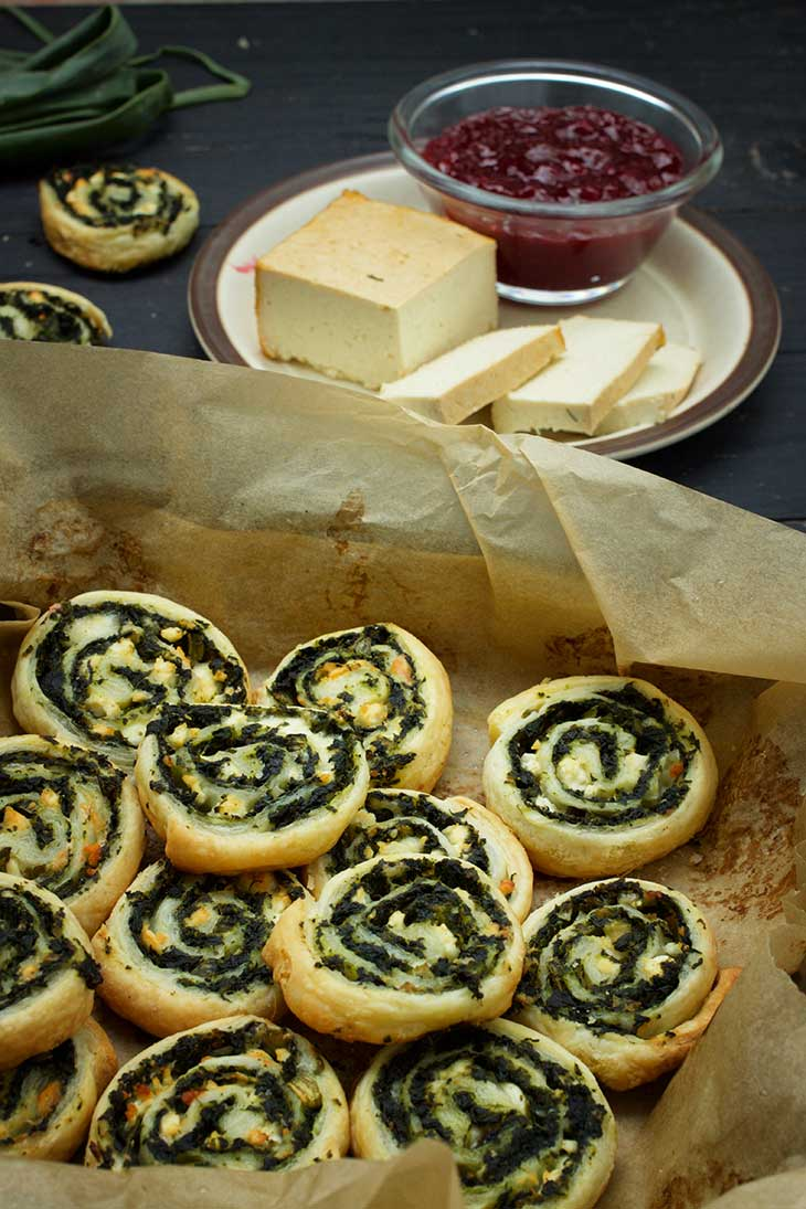 Greek Vegan Spinach Pinwheels rulouri cu spanac