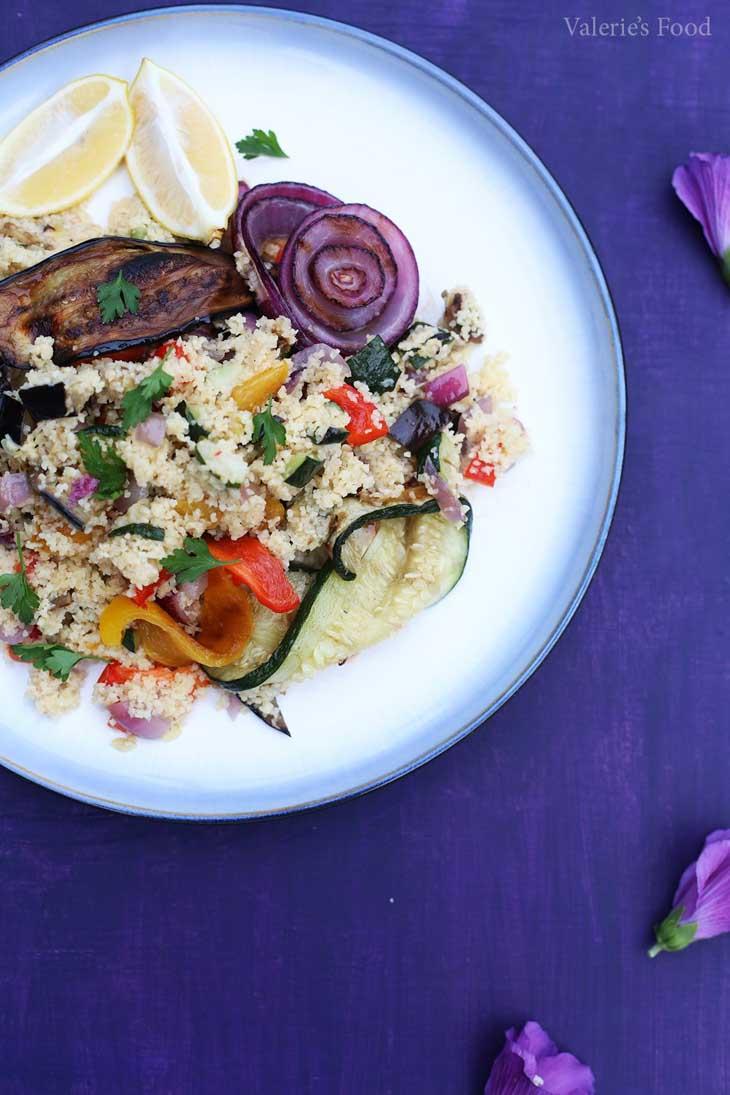 Salata calda de bulgur cu legume la gratar