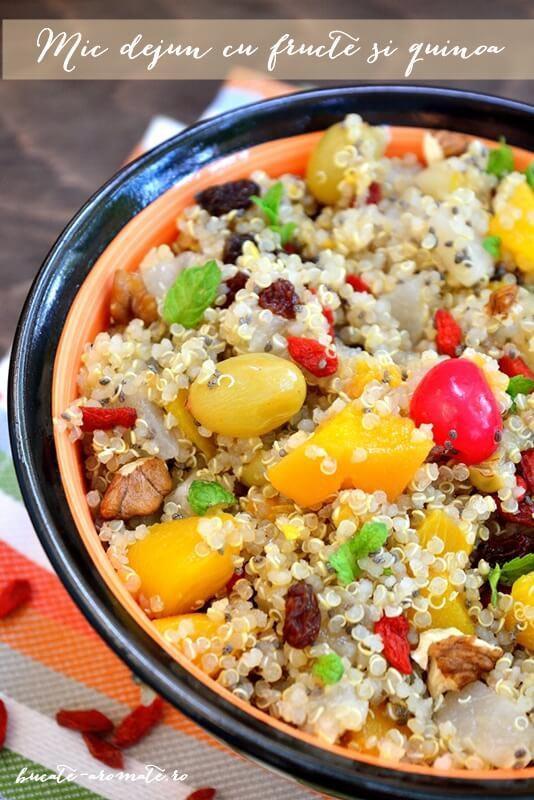 Mic dejun sanatos cu fructe si quinoa