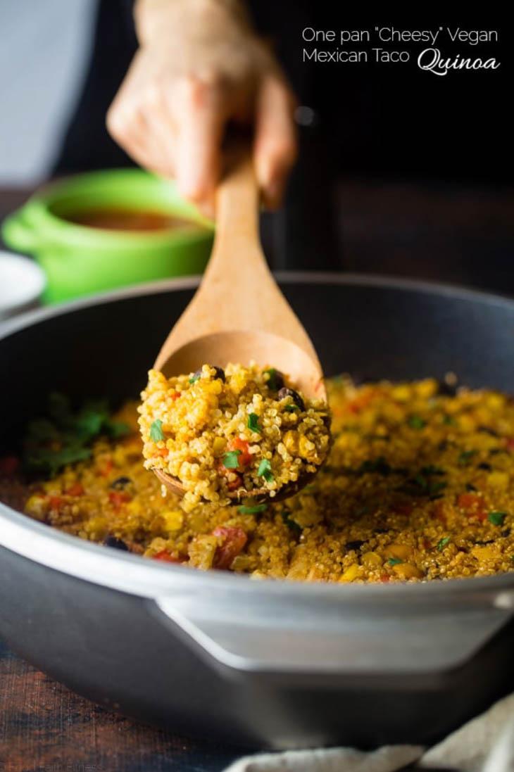 """Cheesy"" Mexican Quinoa (Vegan + One Pan)"