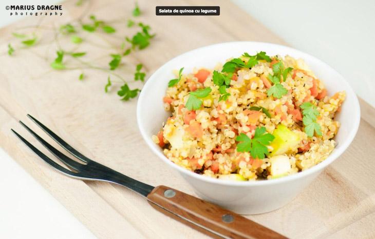 Salata de quinoa cu legume