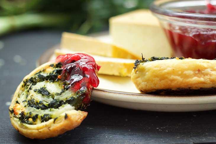 Vegan Spinach Pinwheels