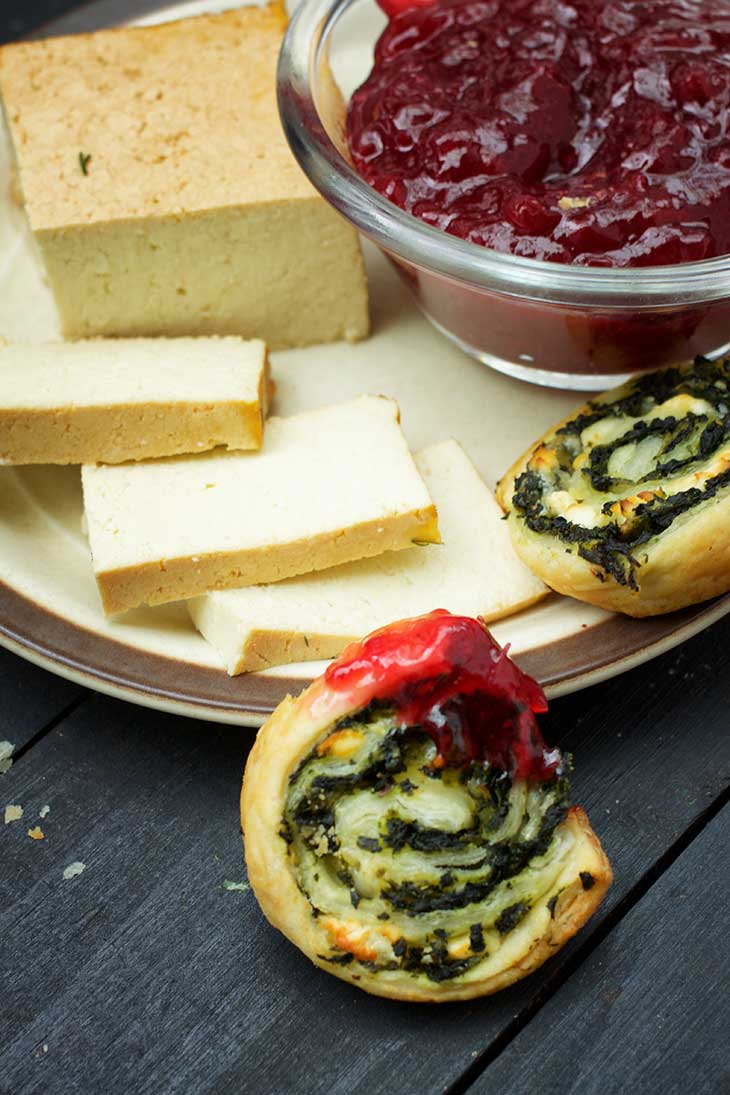 greek Vegan Spinach Pinwheels recipe