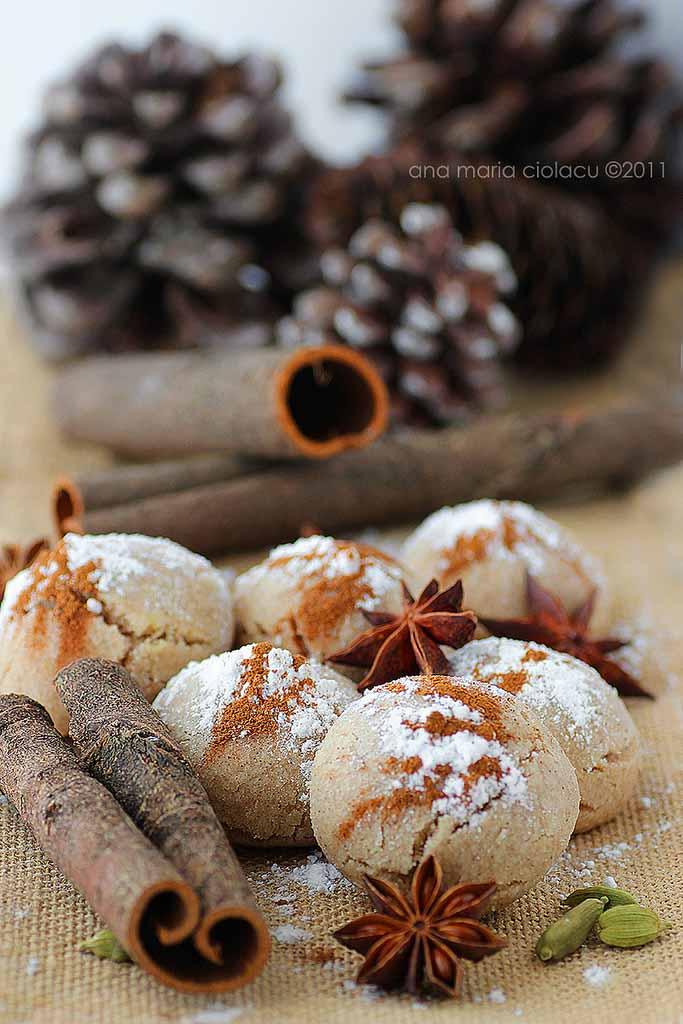 Fursecuri de post cu ulei si scortisoara / Mantecados