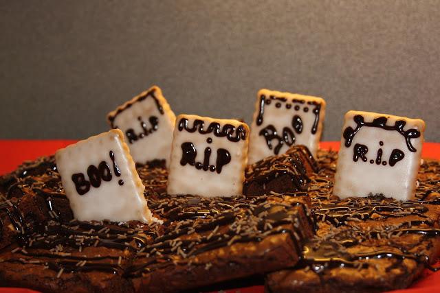Cimitirul vrajitoarelor din brownie (negresa)