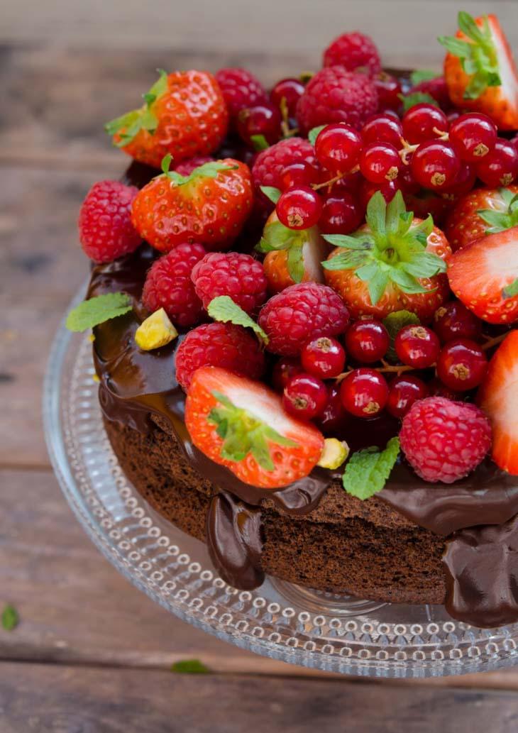Tort cu ciocolata fara faina si fara zahar