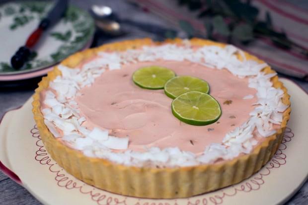 Prima prajitura fara zahar. Un cheesecake cu cocos si lamaie