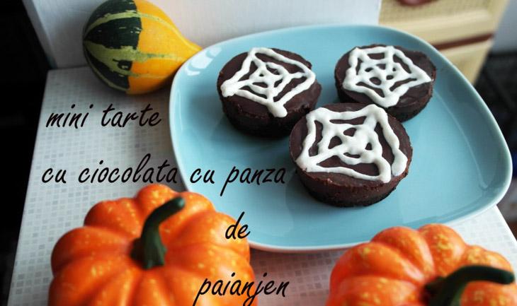 """Seria Halloween: Tarte cu ciocolata decorate cu """"panza de paianjen"""""""
