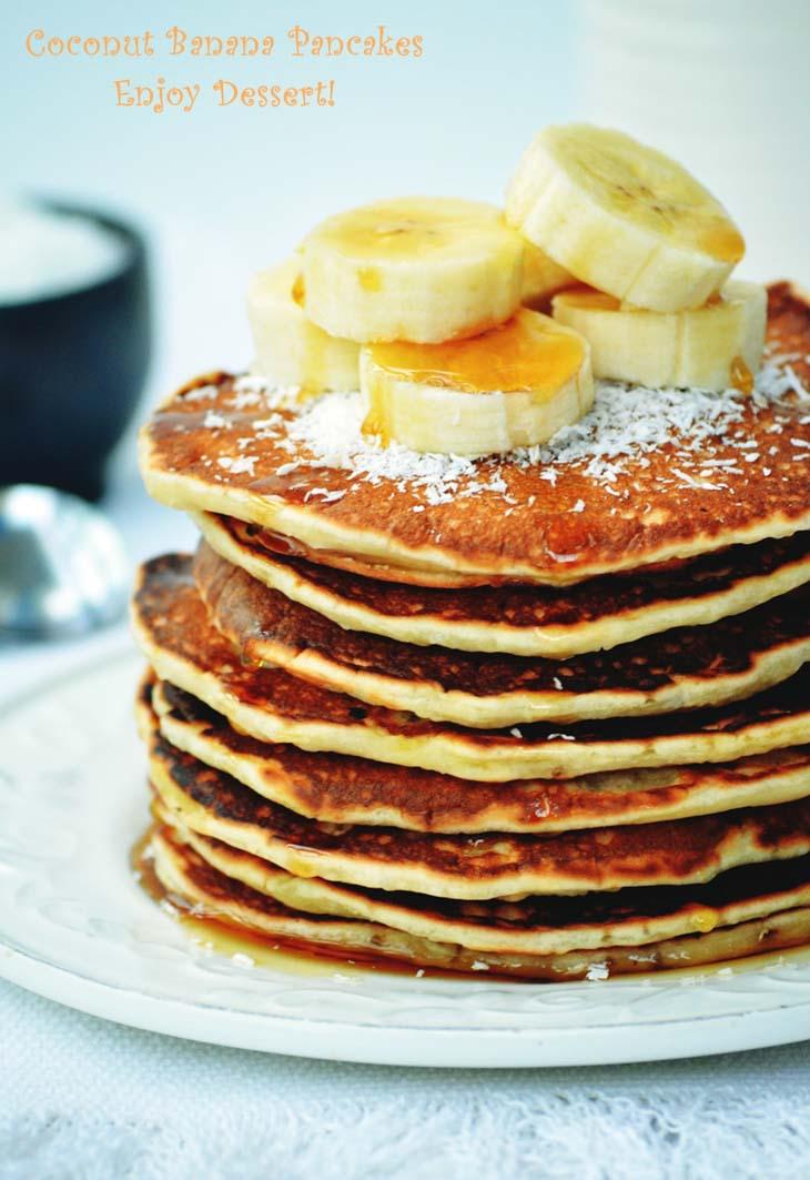 Pancakes cu banane si lapte de cocos