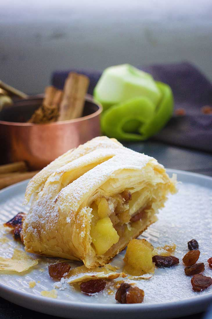 easy Vegan Apple Strudel