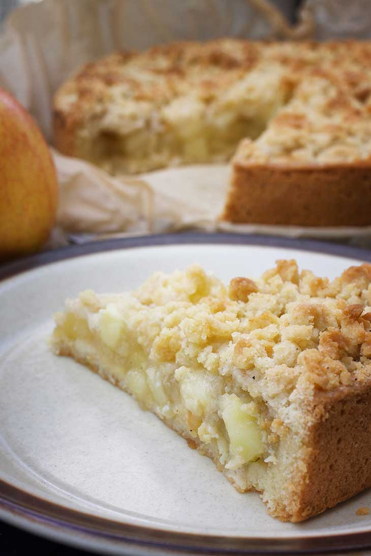 german apple streusel cake slice