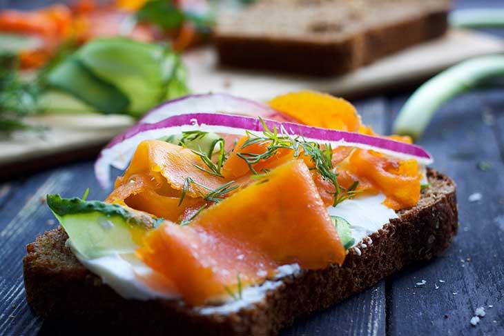 how to make vegan salmon sandwich