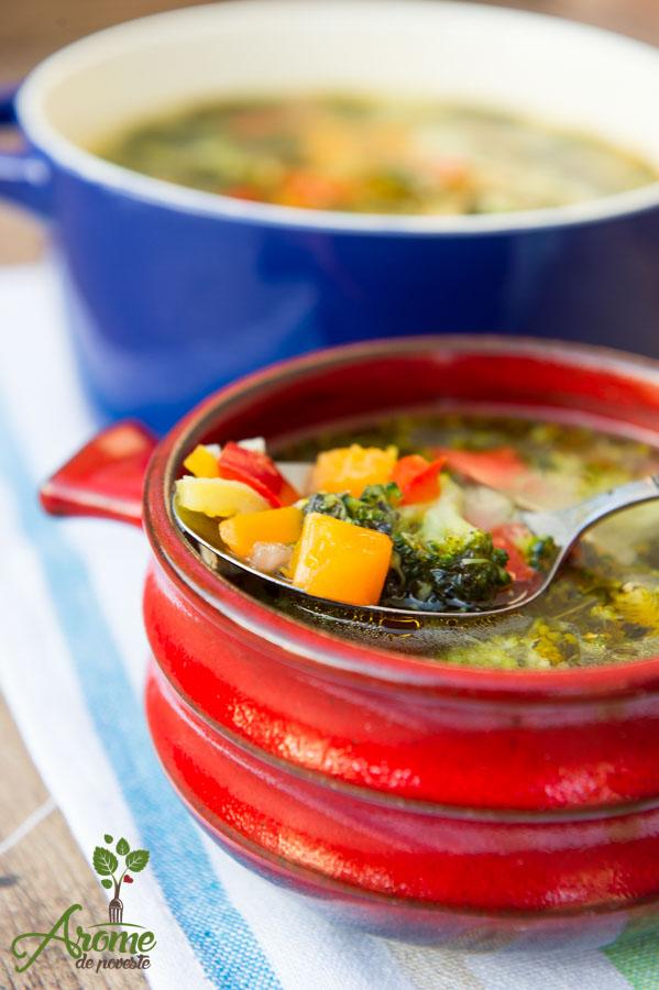 Supa de broccoli cu busuioc