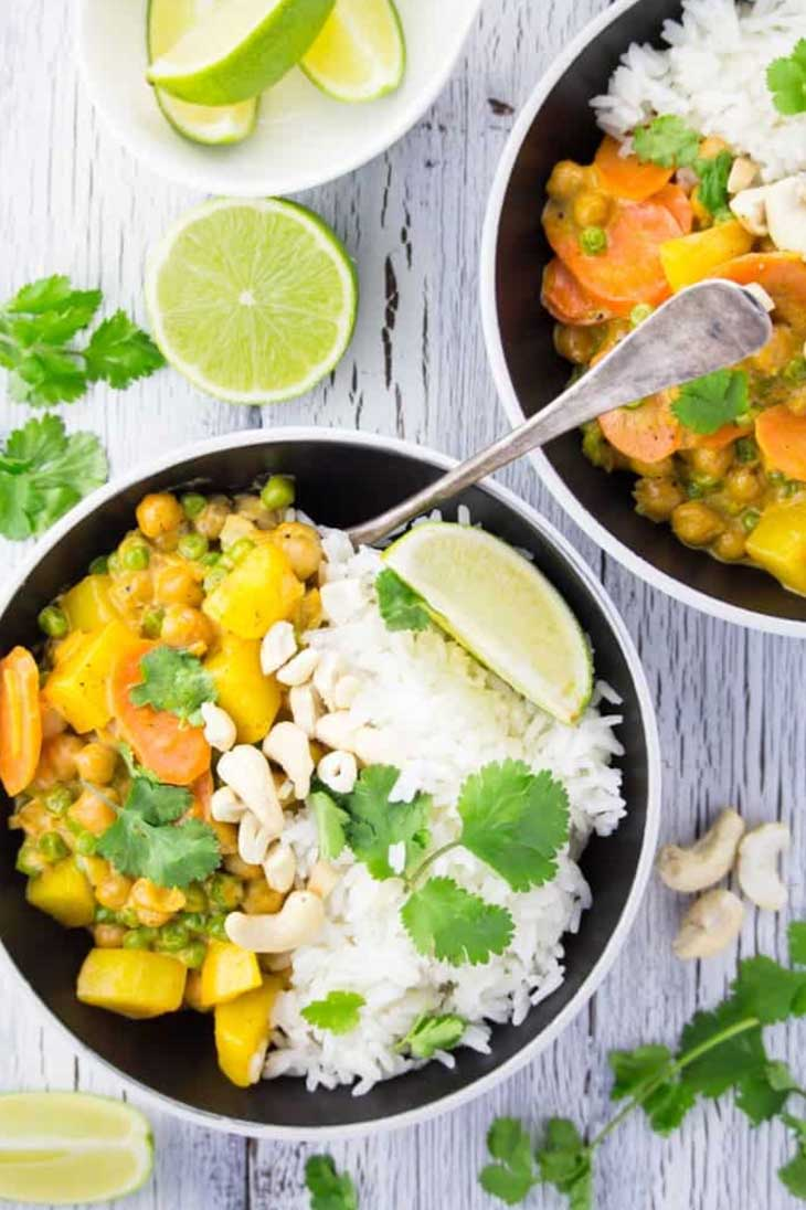 Easy Chickpea Curry with Potatoes