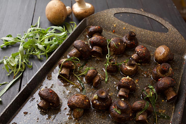 Perfect Roasted Garlic Mushrooms ciuperci la cuptor