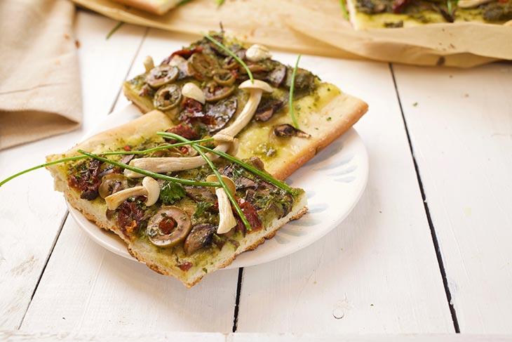Pizza cu ciuperci vegetariana