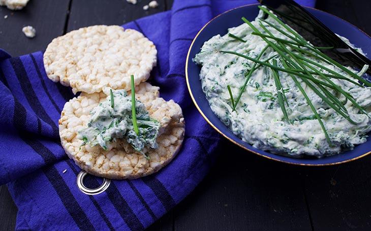 vegan spinach dip with garlic crema de spanac cu usturoi