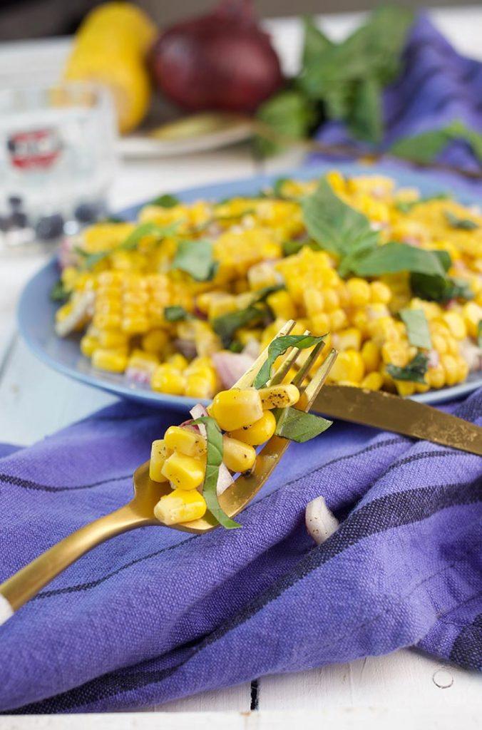 fresch corn salad with onion
