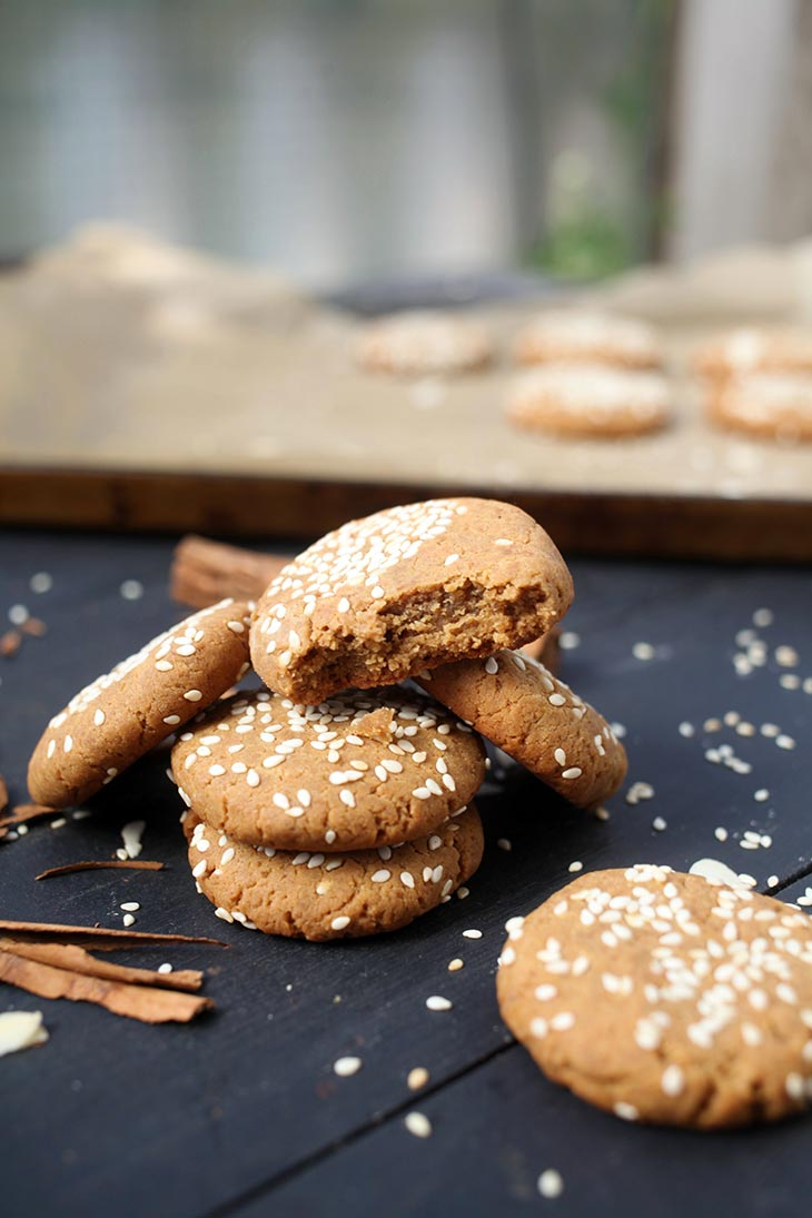 tahini cookies with sesame paste