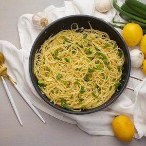 vegan garlic noodles taitei cu usturoi