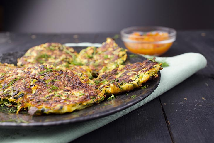 vegetable fritters serving