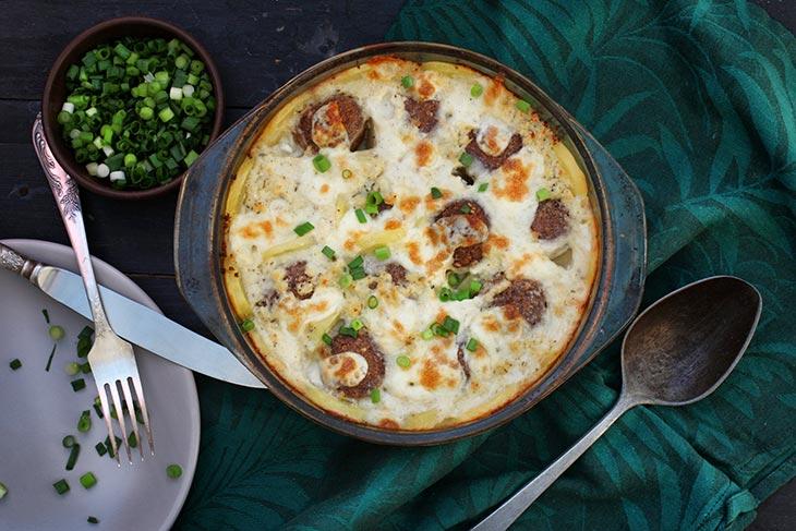 Potato and Meatballs Casserole Vegan Caserola de chiftelute vegetale cu cartofi reteta