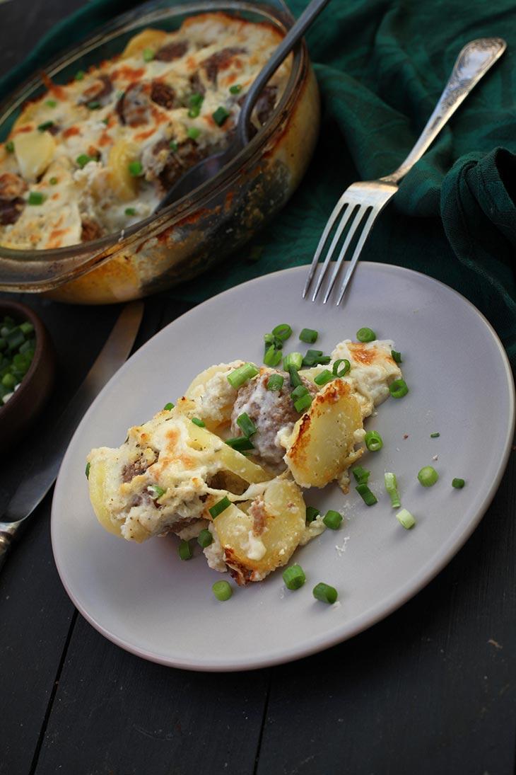 Caserola de chiftelute vegetale cu cartofi