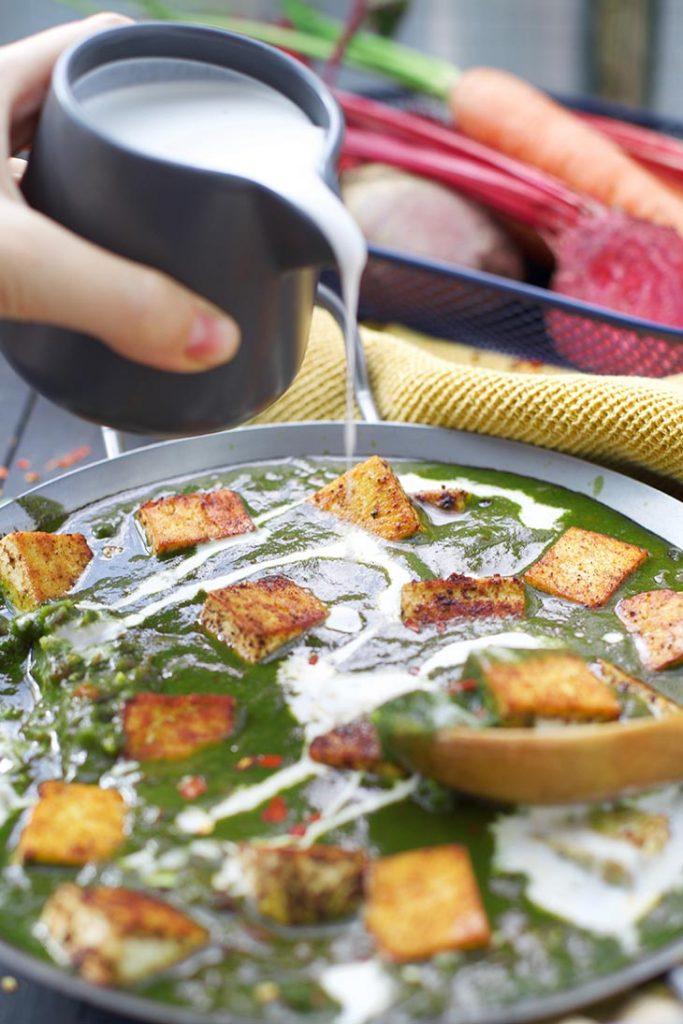 Vegan Palak Paneer indian recipe spanac cu branza