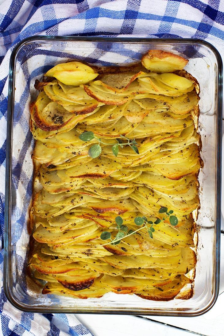 cum sa faci Cartofi aurii la cuptor