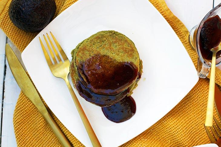 Clatite vegane cu avocado