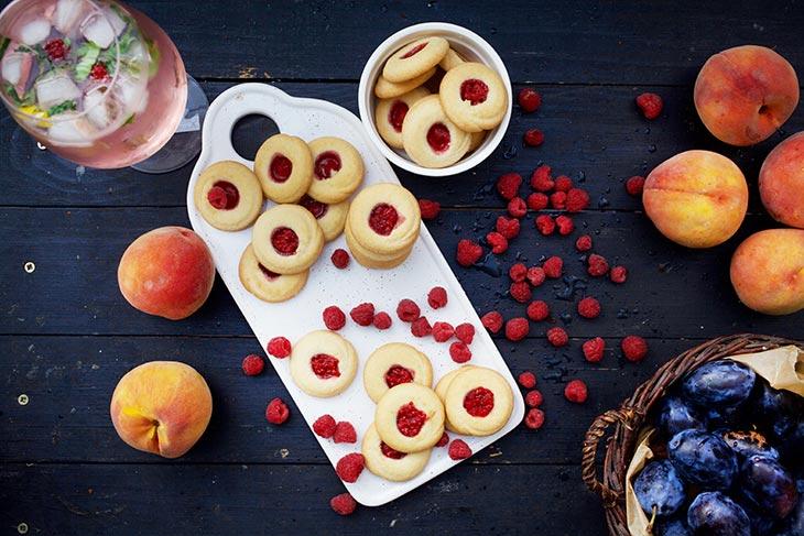 Vegan Thumbprint Cookies biscuiti cu gem