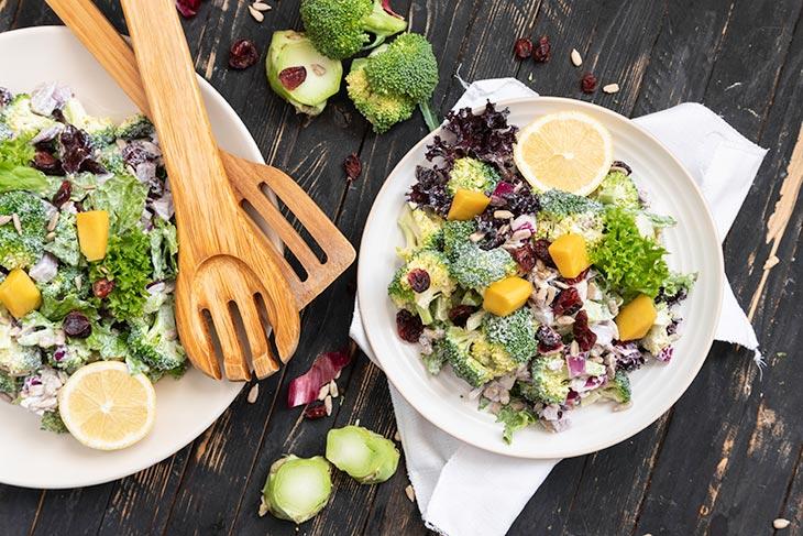 Dieta low-carb - regimul care vă ajută să slăbiți și are beneficii pentru sănătate