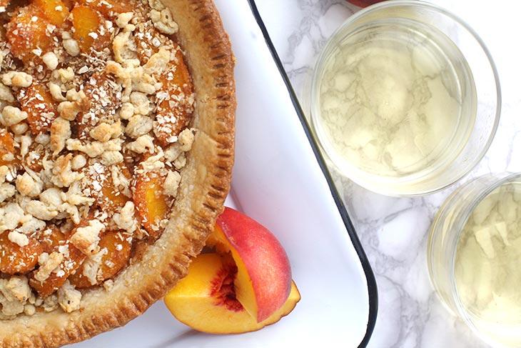 healthy Peach Crumble Pie