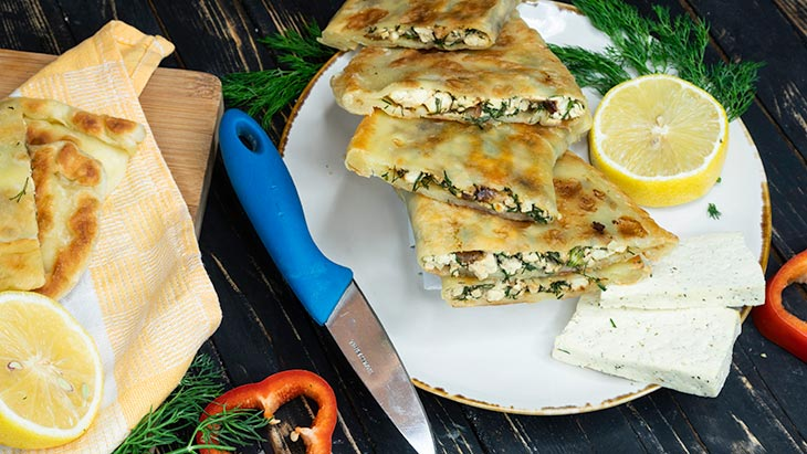 gozleme with tofu cheese