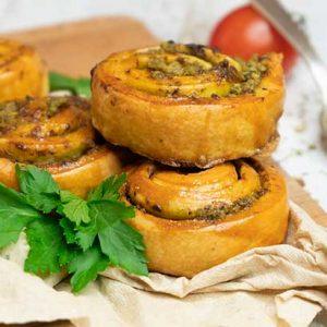 Vegan Pesto Pinwheels rulouri cu pesto pateuri foietaj
