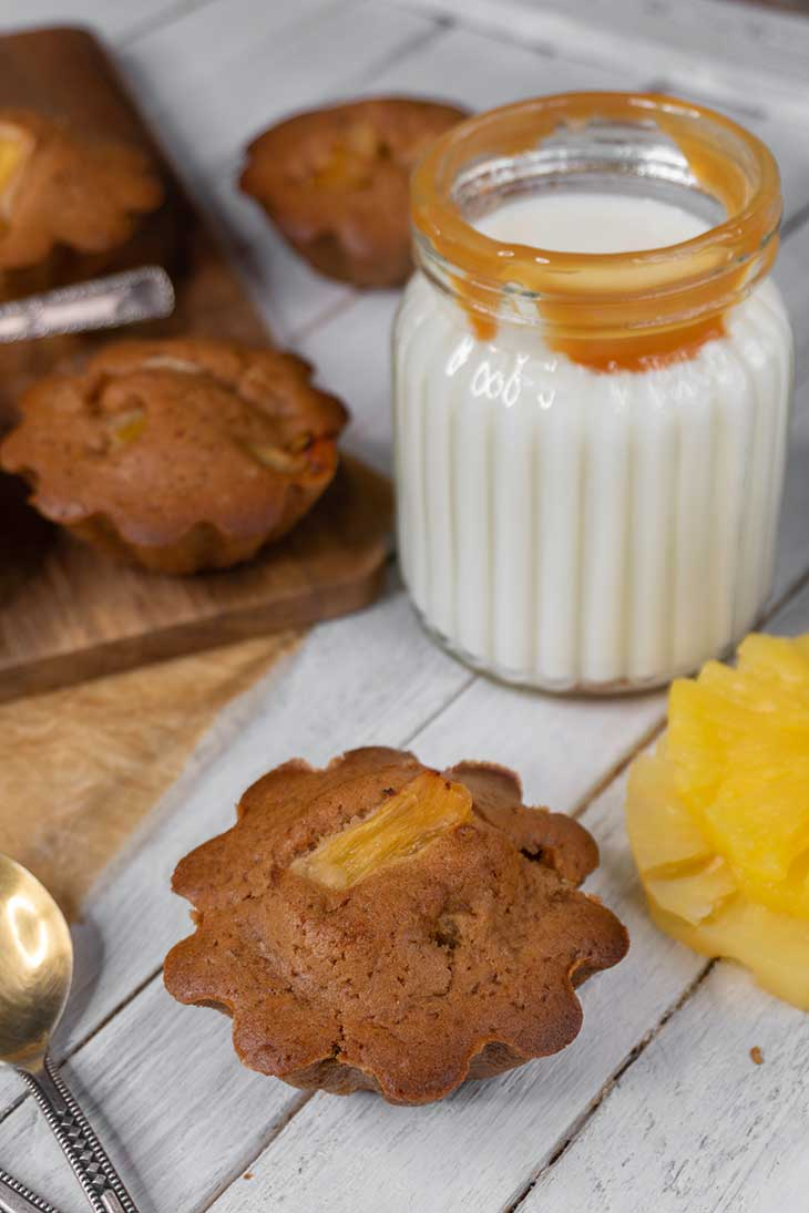 how to make Vegan Pineapple Muffins